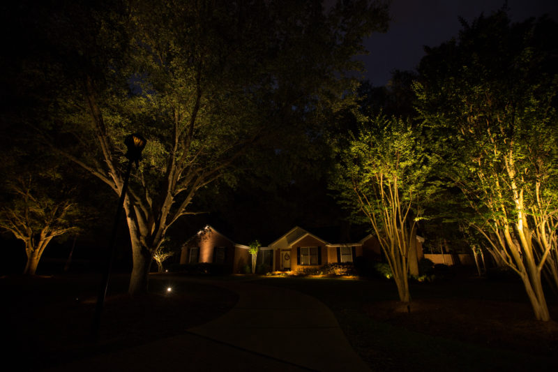 Add An Extra Touch To Your Home With Landscape Lighting